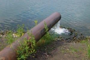 Eine Ozonbehandlung kann auch bei der Wiederaufbereitung von Wasser zum Einsatz kommen.