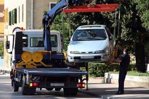 Behindern Sie beim Parken auf dem Bürgersteig andere Verkehrsteilnehmer, können Sie abgeschleppt werden.