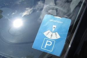 Was gilt es beim Parken mit Parkscheibe zu beachten?