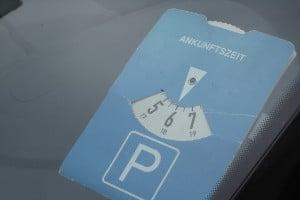 In der Parkzone kann die Verwendung einer Parkscheibe vorgeschrieben sein.