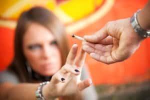 Auch beim Passivrauchen kann die strafrechtliche Fahruntüchtigkeit erfüllt sein.