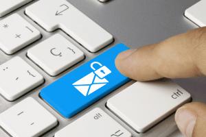 Weltweit sind Millionen von Patientendaten ungeschützt im Netz aufgetaucht.