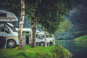 Wenn Sie auf PaulCamper ein Wohnmobil mieten wollen, müssen Sie sich zunächst für den richtigen Fahrzeugtyp entscheiden.