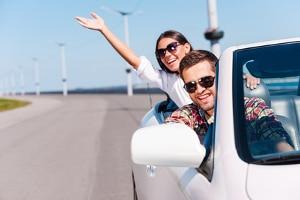 Die perfekte Autopflege: Unsere Tipps verraten, wie Hausmittel das Gefährt wieder frisch machen.
