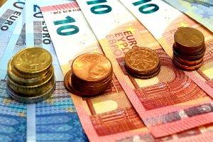 In Portugal die Maut bezahlen: Die Kosten können nicht immer in bar beglichen werden.