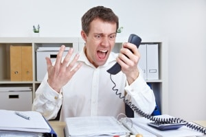 Sie haben Probleme mit dem Unfallgegner? Dann wenden Sie sich an einen Anwalt für Verkehrsrecht.