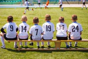 Public Viewing mit Kindern, Freunden und Kollegen - das genießen Menschen mittlerweile weltweit.