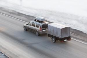 Spielt es eine Rolle für die Messung mit Radar, ob ein Anhänger am Pkw angebracht ist?