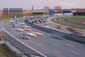 Wie die Radarstrafen in Österreich auf der Autobahn ausfallen, hängt vom jeweiligen Ort ab.