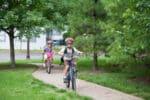 Schulen dürfen kein Radfahrverbot für Grundschüler aussprechen. Der Schulweg ist Sache der Eltern.
