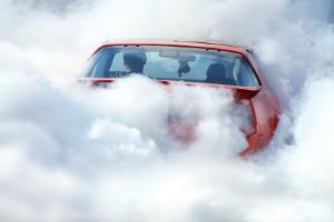 In Deutschland gilt kein Rauchverbot im Auto.