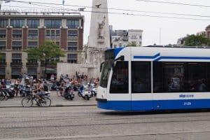 Rechts überholen: Innerorts sollen Straßenbahnen auf diese Weise überholt werden.