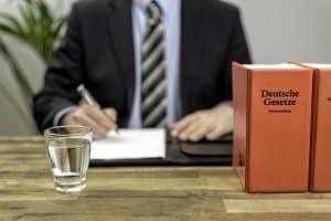 Ein Rechtsanwalt für Verkehrsrecht in Brottrop bzw. eine Anwaltskanzlei hilft bei einem Einspruch.