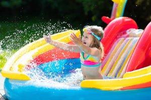 Welche Regeln gelten im Schwimmbad?