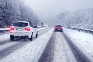 Winterreifenpflicht: Sofern bestimmte Voraussetzungen erfüllt sind, reichen Allwetterreifen auch im Winter.