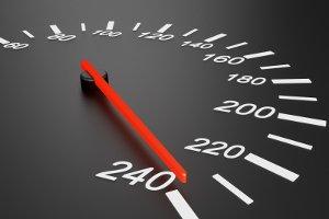 Reifen, deren Kennzeichnung ein H beinhaltet, dürfen maximal mit 210 km/h gefahren werden.