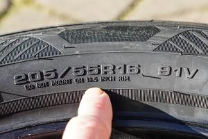 Reifengrößen: Die Bedeutung der Codierung können Sie einfach entschlüsseln.