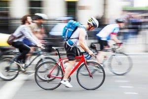 Ein Rennrad mit Fahrrad-Schutzblech ist normalerweise nicht im Fachhandel erhältlich.