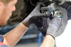 Wir erklären, wann es sinnvoll ist, für die Reparatur eine Übernahmebestätigung einzuholen.