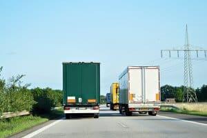Richtiges Bremsen kann Auffahrunfälle bei LKW verhindern