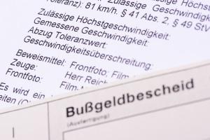 In Rostock vom Blitzer erwischt? Über die Sanktionen informiert der Bußgeldbescheid.