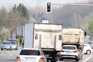 Rote Ampel: Ein Blitzer kann Verkehrssünder überführen.