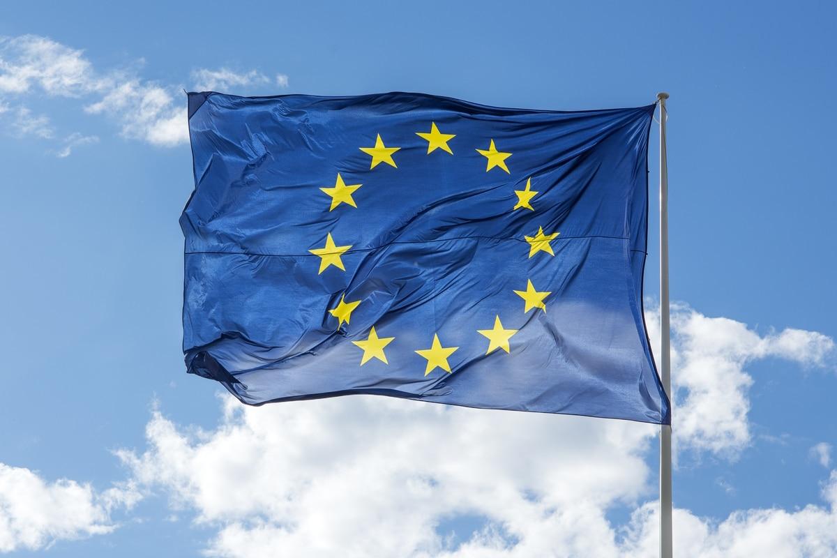 Ein Rotes Kennzeichen ist in der EU gültig.