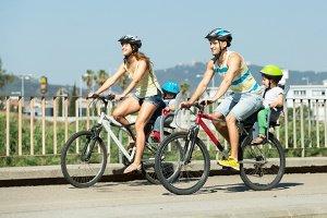 Auch das Rücklicht von einem Fahrrad kann mittels Batterie mit Spannung versorgt werden.