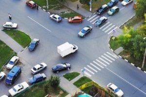 Wer hat Vorfahrt? Wie auf einer normalen Straße gelten in der Sackgasse die üblichen Regeln.