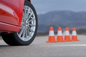 Das Schleudertraining ist Bestandteil eines Fahrsicherheitstrainings.