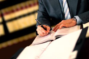 Schmerzensgeld bei einer Rippenprellung: Ein Anwalt hilft Ihnen weiter!