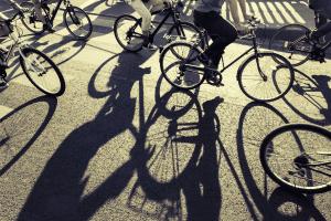 Der Bundestag will die Sicherheit im Radverkehr durch StVO-Änderungen signifikant erhöhen.