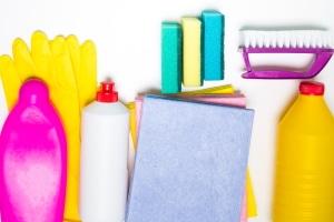 Welche Mittel eigenen sich, um Sicherheitsgurte zu reinigen?