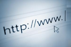 Gegen Diebstahl kann eine Versicherung auch im Internet gefunden werden.