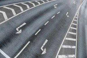 Sperrfläche überfahren: Folgt ein Bußgeld?