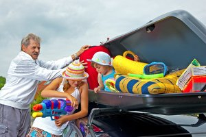Nebst Stau können die Sommerferien auch durch teure Bußgelder auf der Anreise getrübt werden.