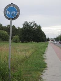 Wo Fahrradfahrer fahren dürfen, steht in der StVO in § 2 Absatz 4.