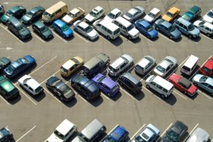 Die StVO definiert, wo das Halten und/oder Parken nicht erlaubt ist.