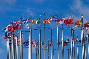 Das Tagfahrlicht ist auch ein Warnzeichen und gilt in vielen europäischen Ländern