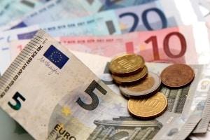 Bei Tateinheit wird eine Geldbuße für verschiedene Verstöße angeordnet.
