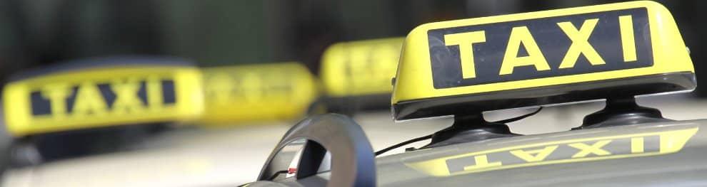 Taxischein: Welche Kosten entstehen beim Erwerb des P-Scheins?