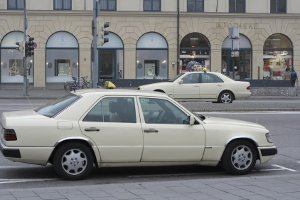 Taxischein: Welche Kosten entstehen für den Erwerb des P-Scheins?
