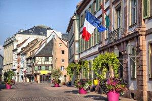 Das Tempolimit auf Landstraßen in Frankreich wird auf 80 km/h gesenkt.