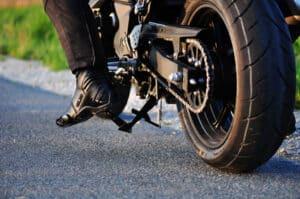 Tieferlegung ist auch beim Motorrad möglich, jedoch nur sehr eingeschränkt.