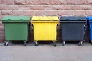 Betriebe, die Toner entsorgen, recyceln diese, sodass sie kaum auf einer Mülldeponie landen.