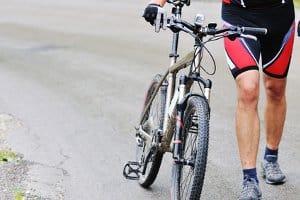Ein toter Winkel bei LKW kann für Radfahrer ein großes Risiko darstellen.