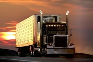 Truck fahren: Auf der Autobahn, der Landstraße oder ähnlichem Gelände können Sie losdüsen.