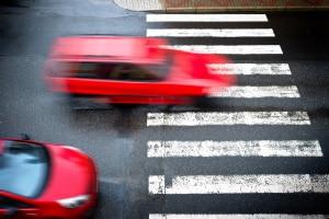 Überholen im Kreuzungsbereich kann riskant sein.