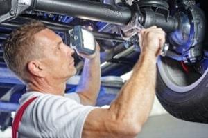 Der Umbau zu einem Elektroauto kann selbst oder in einer speziellen Werkstatt erfolgen.