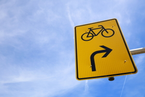Eine Umleitung für Radfahrer erkennen Sie am entsprechenden Symbol.